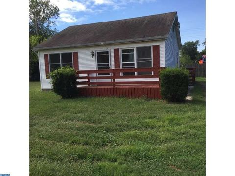 335 1/2 Bailey St, Woodstown, NJ 08098