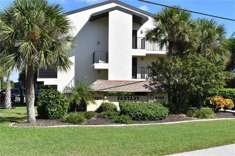 Englewood FL Homes With Special Features