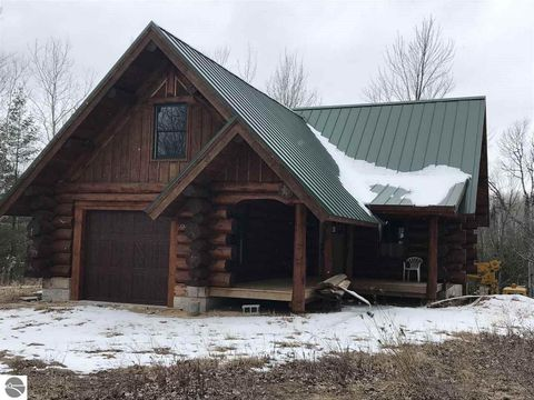 Photo of 1085 Town Hall Rd, Hale, MI 48739