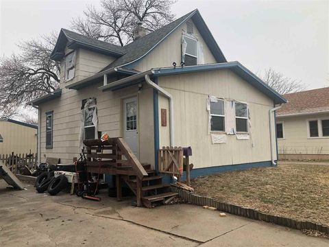 611 S Garfield Ave, Hastings, NE 68901
