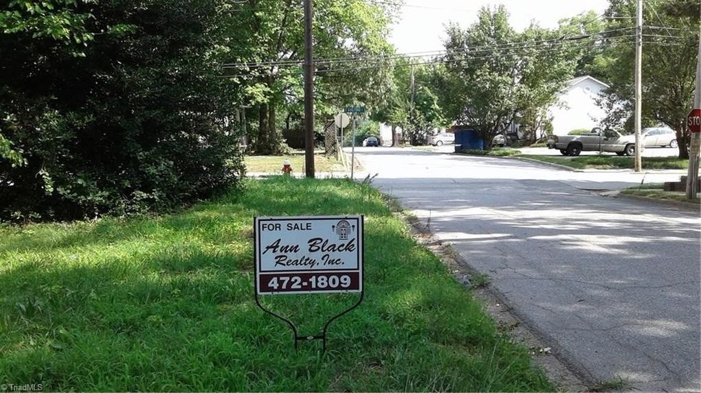 602 Guilford St E, Thomasville, NC 27360