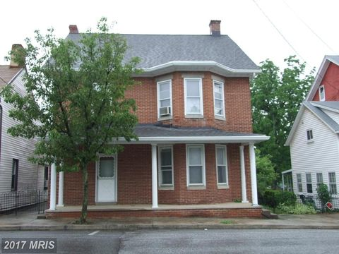 9 Water St E, Smithsburg, MD 21783