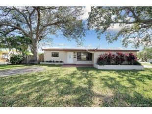 <div>3338 Taft St</div><div>Hollywood, Florida 33021</div>