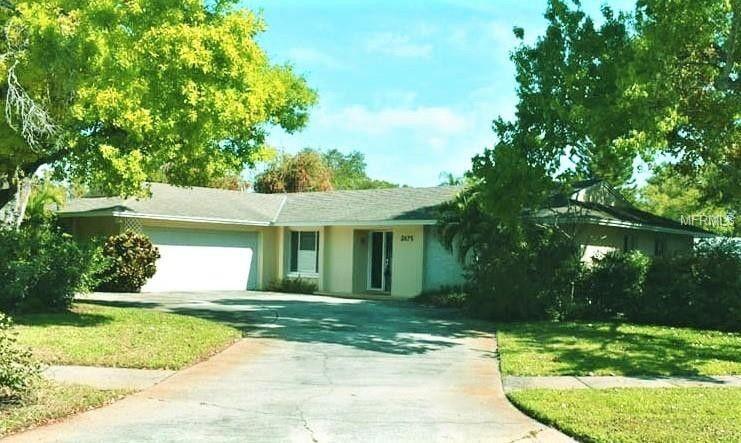 3075 Rosery Rd NE Largo, FL 33771