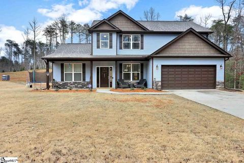 Photo of 295 Goodwin Rd, Travelers Rest, SC 29690