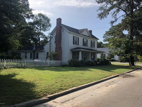 Photo of 701 Roanoke St, Scotland Neck, NC 27874