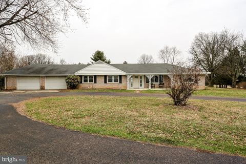 669 Truce Rd, New Providence, PA 17560