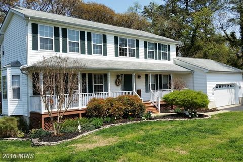 430 Overlook Dr, Lusby, MD 20657