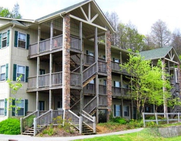 800 Meadowview Dr Apt 4, Boone, NC 28607
