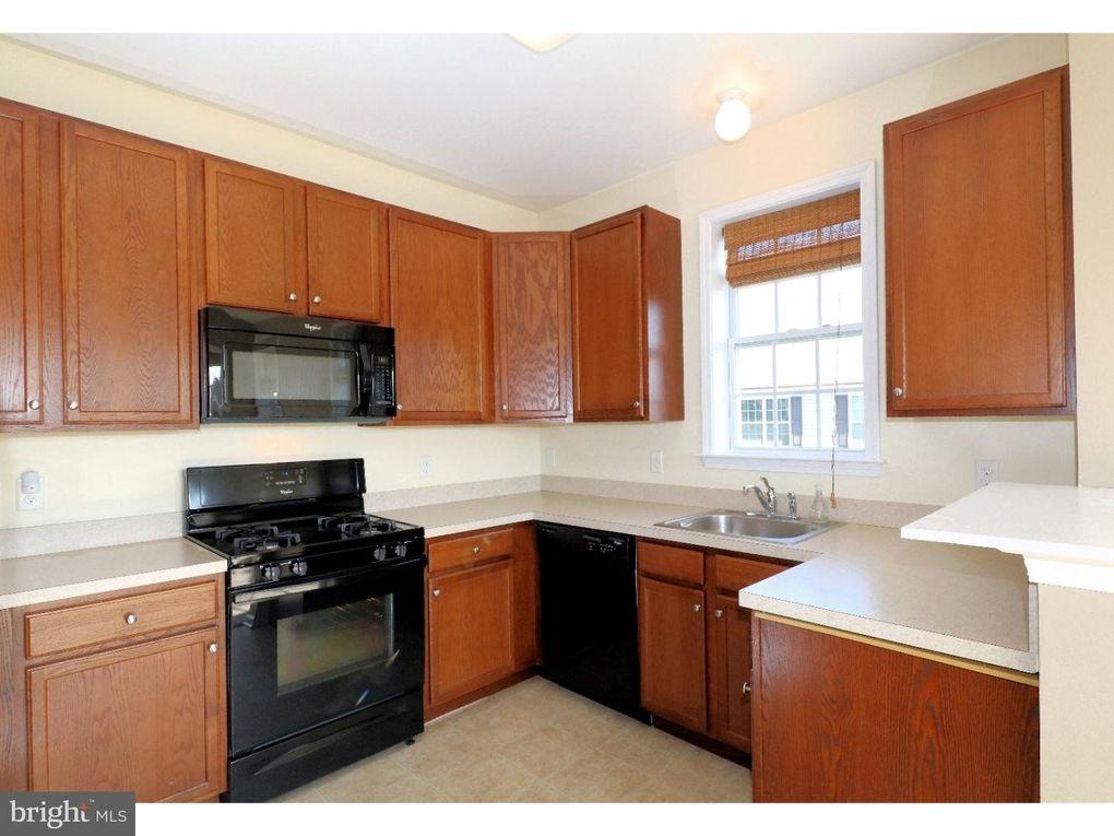 Timberlake Dr Trenton NJ Realtorcom - Kitchen cabinets trenton nj