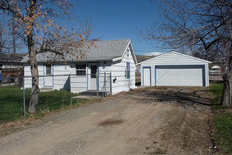 Photo of 923 8th Ave Nw, Great Falls, MT 59404