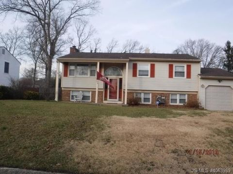 Photo of 316 Colonial Dr, Toms River, NJ 08753