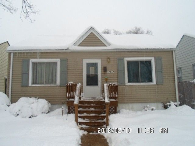 17817 Community St, Lansing, IL 60438