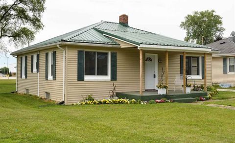 313 Hickory St, Walkerton, IN 46574