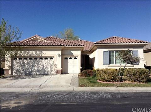 19348 Macklin St, Apple Valley, CA 92308