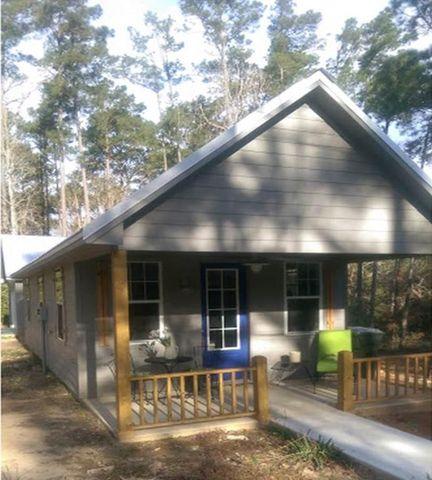 Photo of 103 Susan St, Woodville, TX 75979