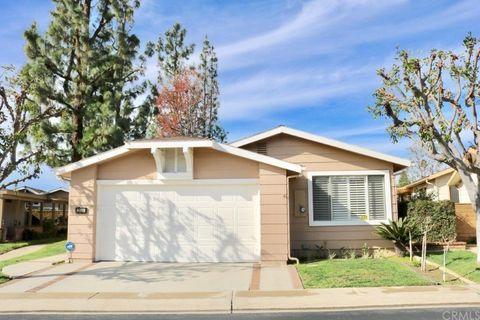 2536 View Lk Unit 153, Santa Ana, CA 92705