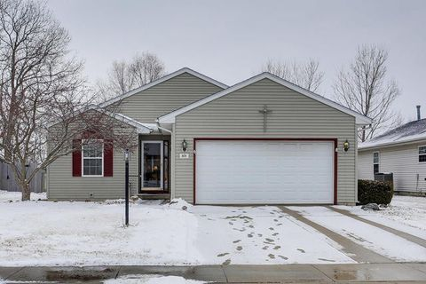 Photo of 809 Erin Dr, Champaign, IL 61822