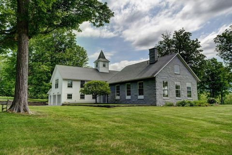 Photo of 148 Stone Hill Rd, Williamstown, MA 01267