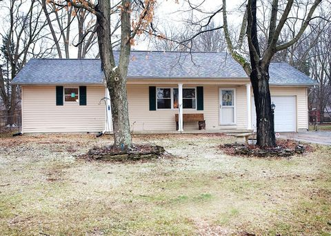 Photo of 5219 Ash Grove Ave, Blanchester, OH 45107