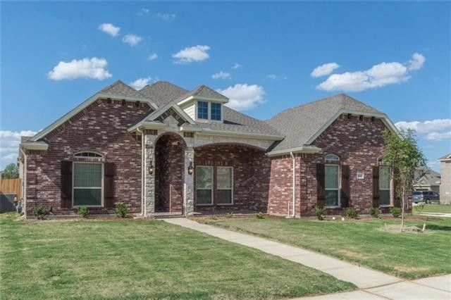 1613 Montelena Ave, Kennedale, TX 76060