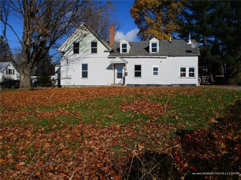 Photo of 40 Royal St, Winthrop, ME 04364