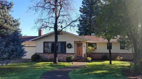Photo of 1185 Marwen Dr, Ukiah, CA 95482