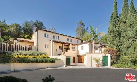 1800 Angelo Dr, Beverly Hills, CA 90210