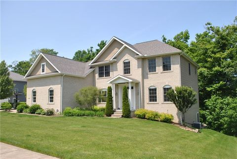 Photo of 4306 Stone Creek Dr, Erie, PA 16506