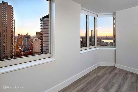 Photo of 250 W 50th St Apt 14 R, New York, NY 10019
