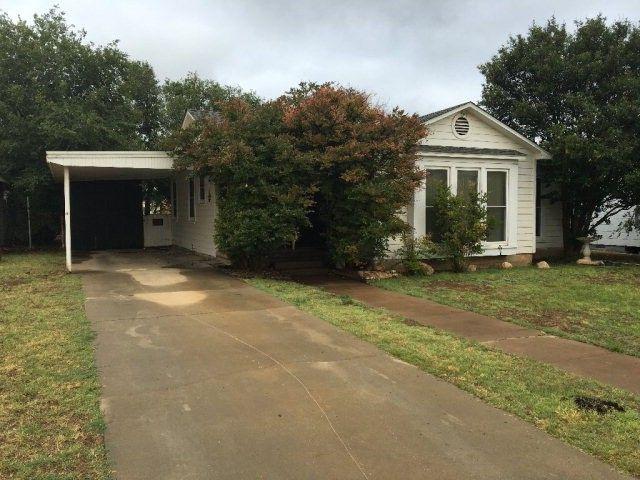 608 Sw 2nd St, Seminole, TX 79360