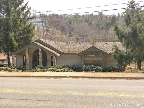 Photo of 537 Main St, Blowing Rock, NC 28605