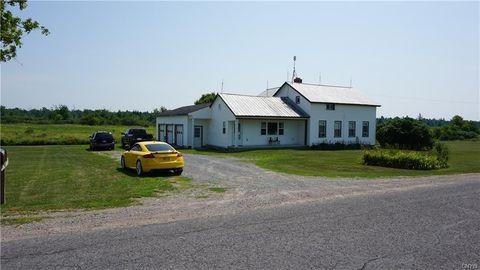 33652 Macomb Settlement Rd, Clayton, NY 13624