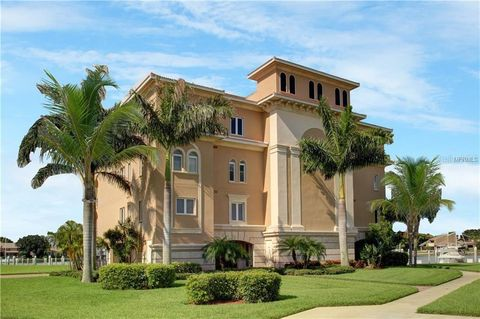 Photo of 40 Bayview Ct S Unit 1, Saint Petersburg, FL 33711