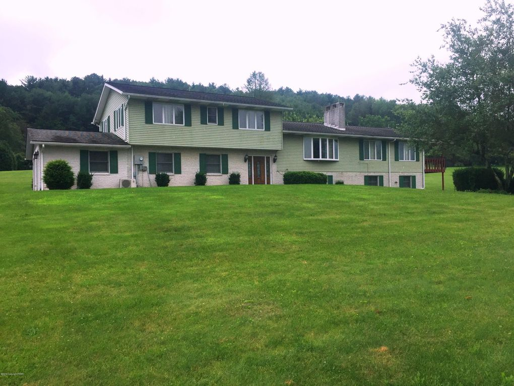 270 Semmels Hill Rd Lehighton, PA 18235