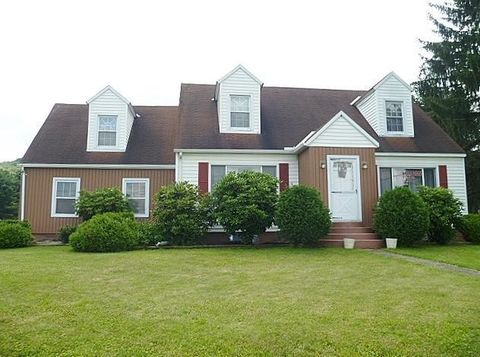 22 21st St, Clearfield, PA 16830