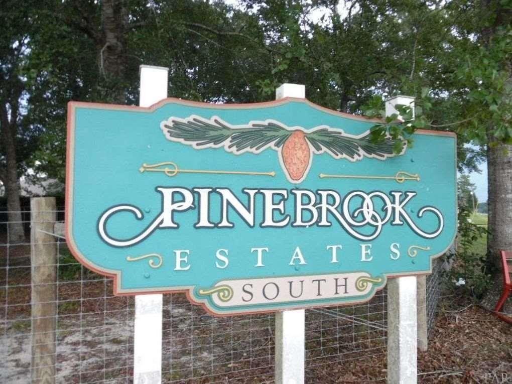 701 Pinebrook Cir, Cantonment, FL 32533