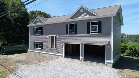 57 Millstone Rd W, Waterford, CT 06385