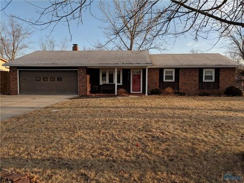 Photo of 644 Wood Dr, Montpelier, OH 43543