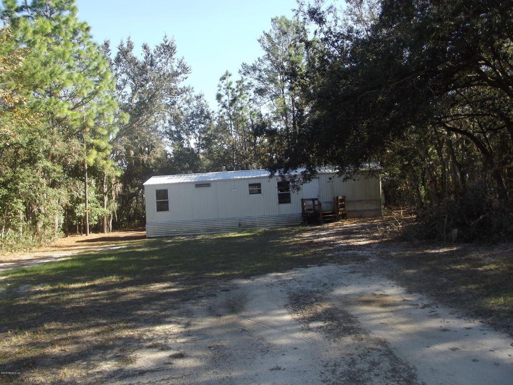 1014 Selma Ave, Interlachen, FL 32148