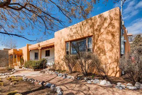 Photo of 357 E Alameda St, Santa Fe, NM 87501