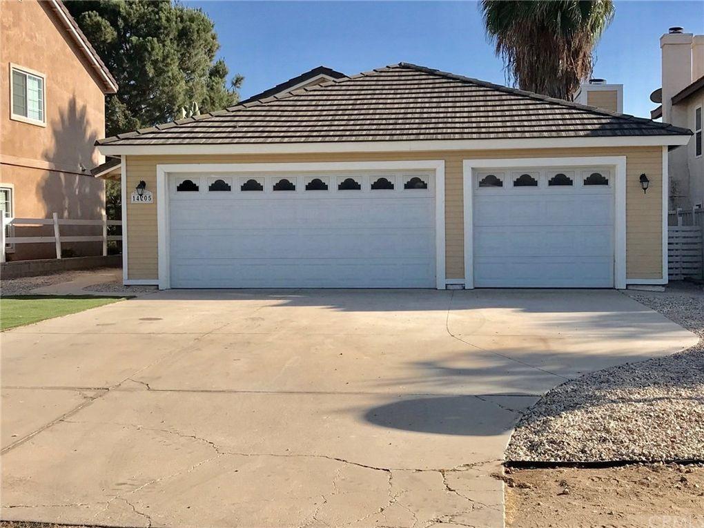 14205 Moonridge Dr, Riverside, CA 92503
