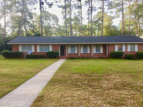 248 Carolina Dr, Tifton, GA 31794