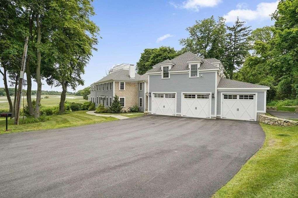 22 Riverview Pl, Scituate, MA 02066