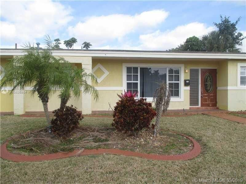 Incredible 1341 Nw 196Th St Miami Gardens Fl 33169 Complete Home Design Collection Barbaintelli Responsecom