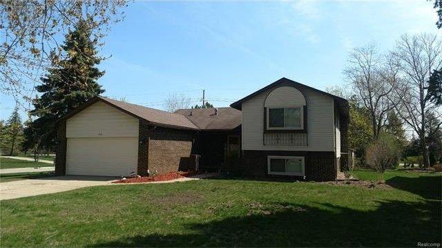 7431 Anne Ct, West Bloomfield Township, MI 48322