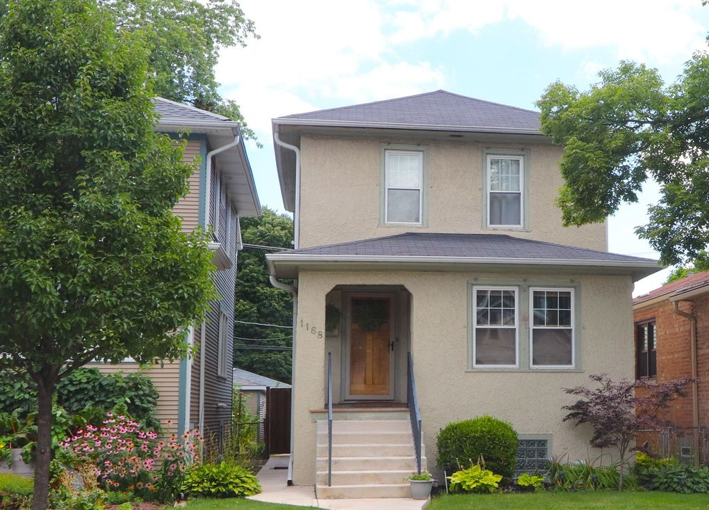 1168 S Ridgeland Ave Oak Park, IL 60304