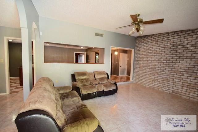 17 Casa De Palmas, Brownsville, TX 78521
