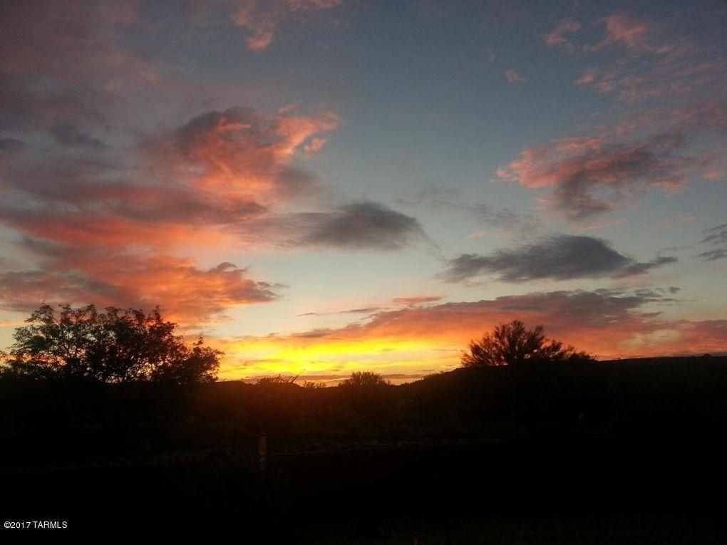 653 N Rugged Canyon Dr Green Valley, AZ 85614
