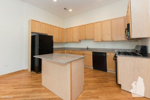 Photo of 2539 N Southport Ave # 3 S, Chicago, IL 60614